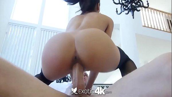 Porno com morena gostosa fodendo