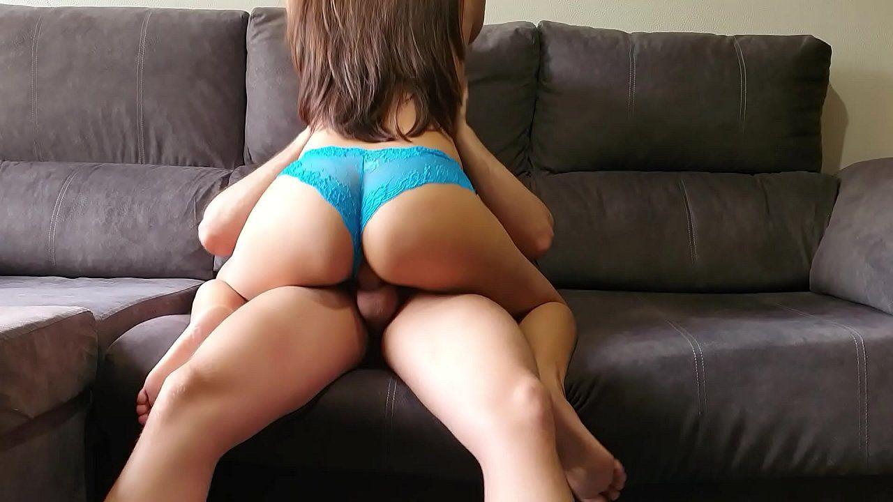 Sexo grátis com novinha gostosa fodendo